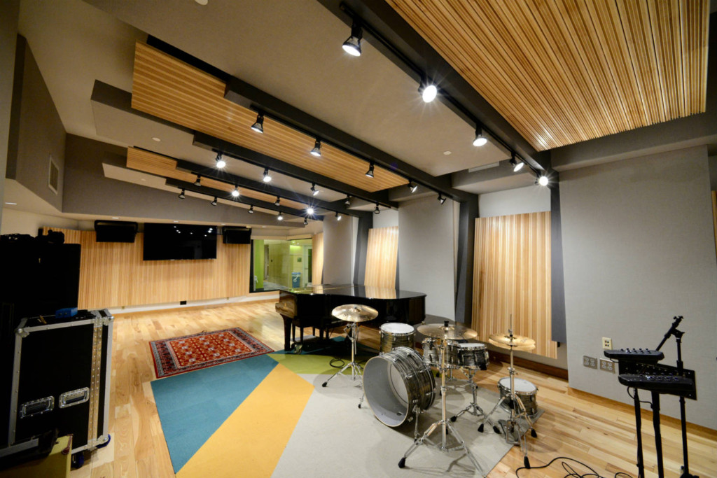 Drexel University in Philadelphia, PA is one of America's 15 largest universities. Their brand-new recording facilities, designed by the WSDG team, expands their music and recording program. Live Room