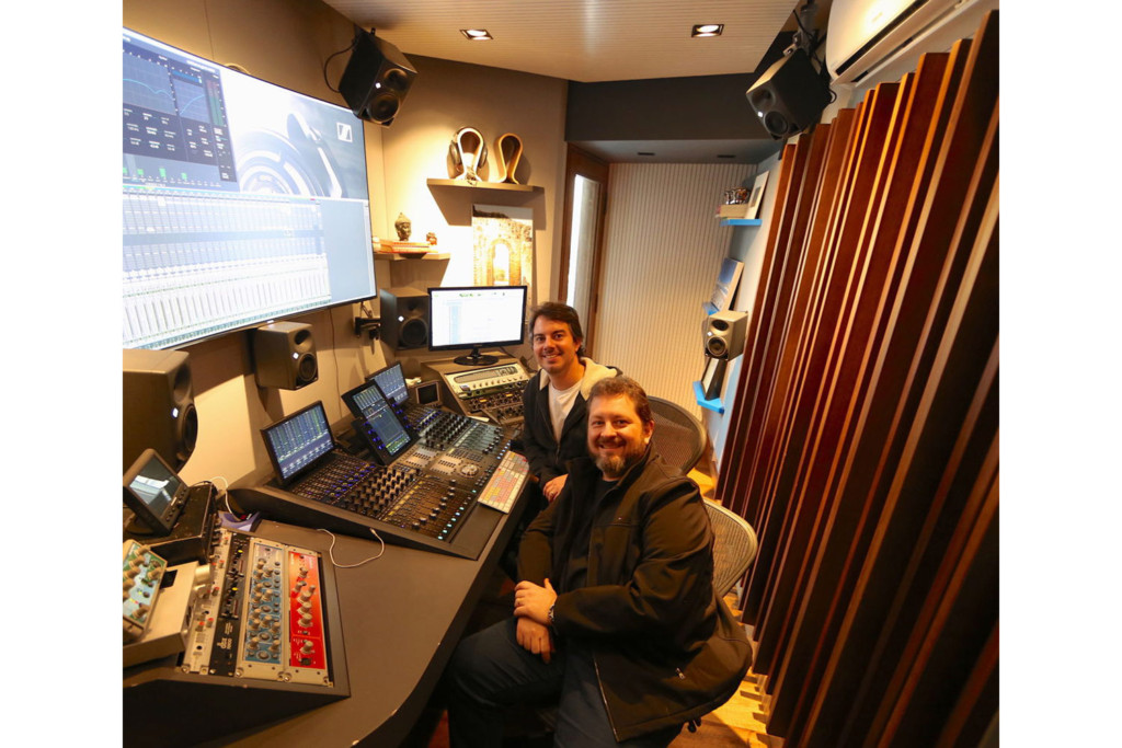 Mix2go is located in Sao Paulo, Brazil and is an innovative 3D mixing facility. WSDG was commissioned to design a space where 3D mixes audio could be created. Beto Neves and Daniel Reis.