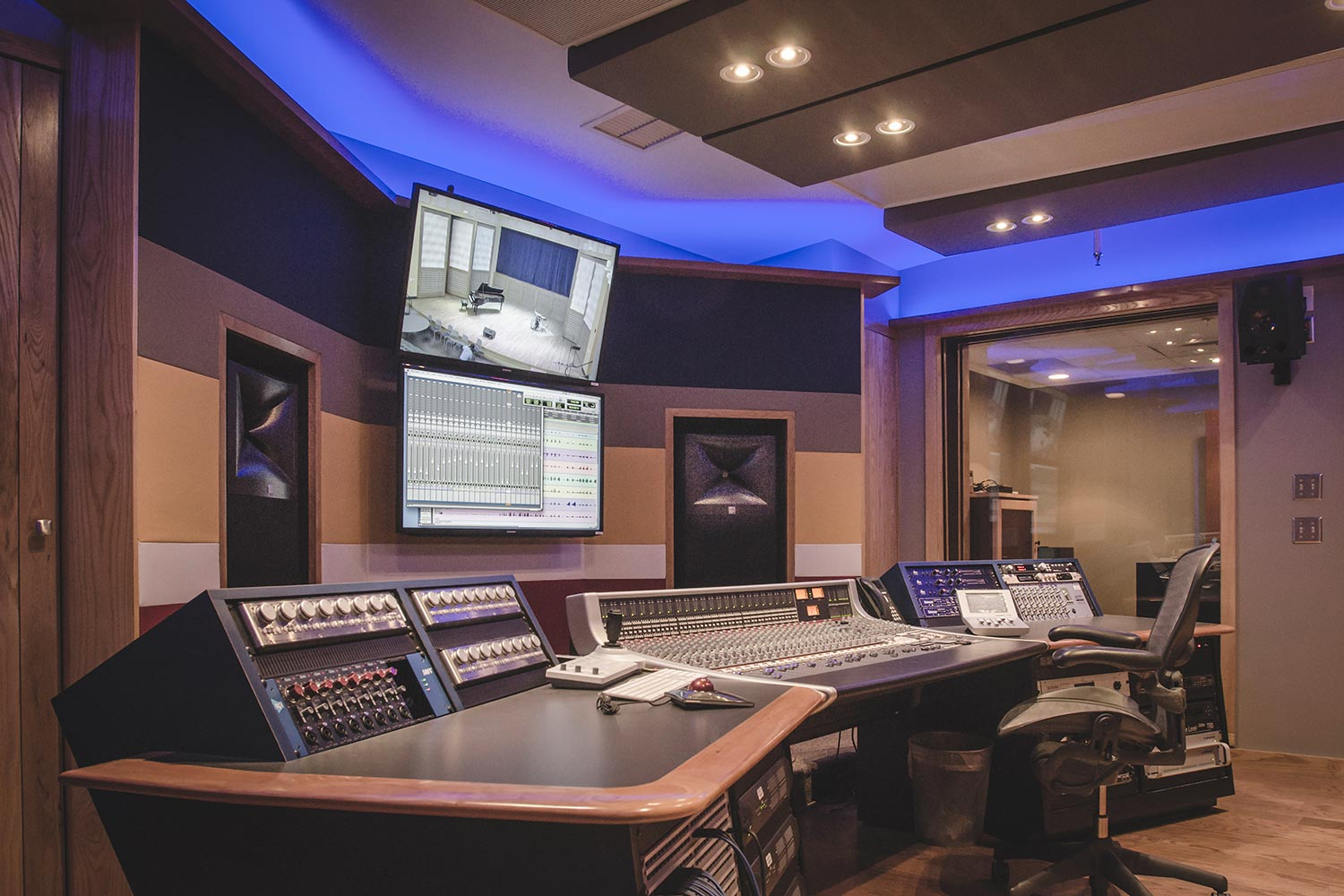 Ellis marsalis center for music opens wsdg studio with jbl for Recording studio design