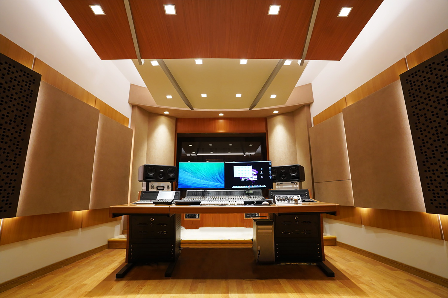 The prestigious Xinghai Conservatory of Music engaged WSDG to develop their new world-class ACE Studios, based on their recent success in Chinese studios. Control Room Front.