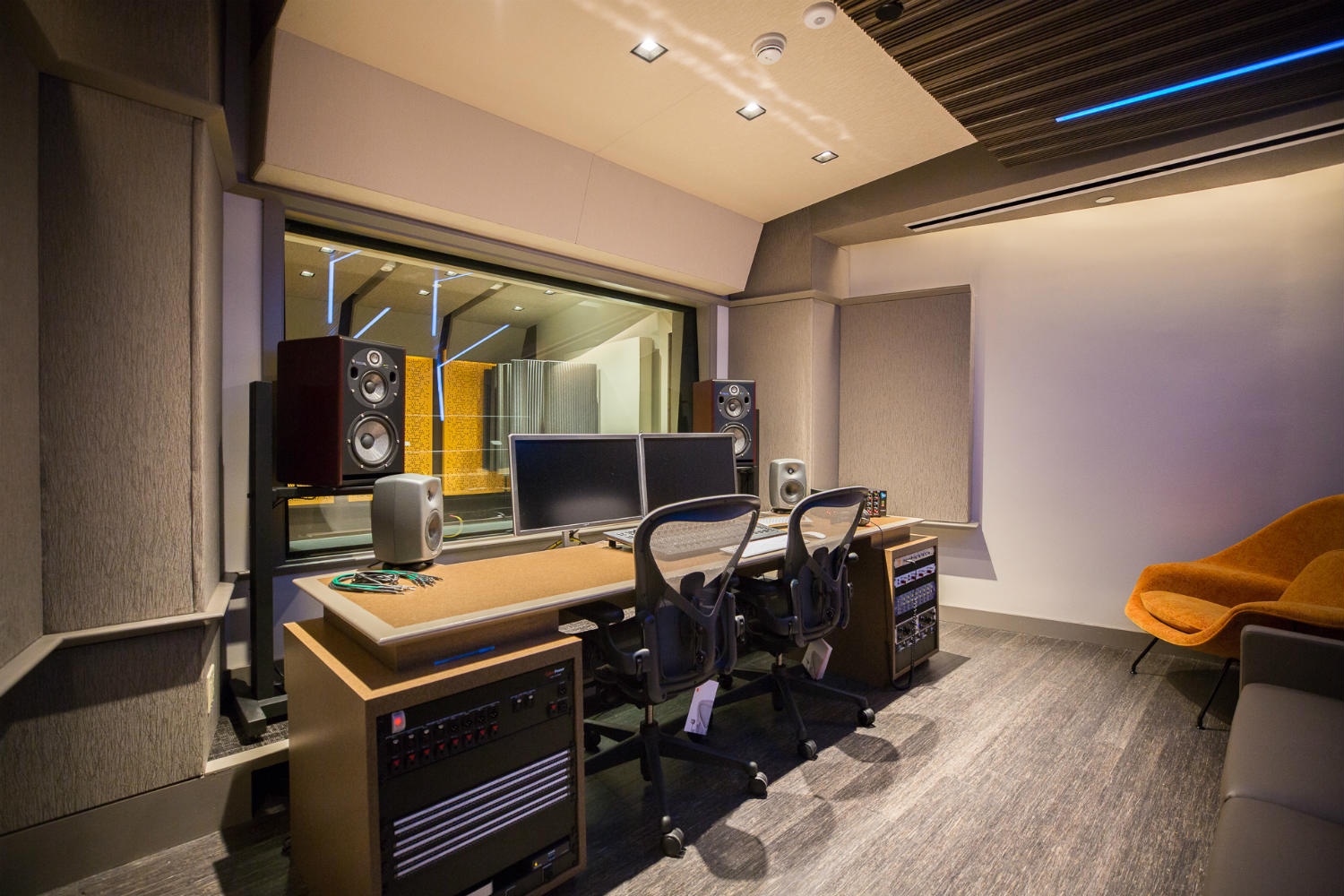 Audible is the world's largest producer/distributor of downloadable audiobooks and other spoken-word entertainment. WSDG was commissioned to design their new state-of-the-art recording studio complex. Control Room A side view