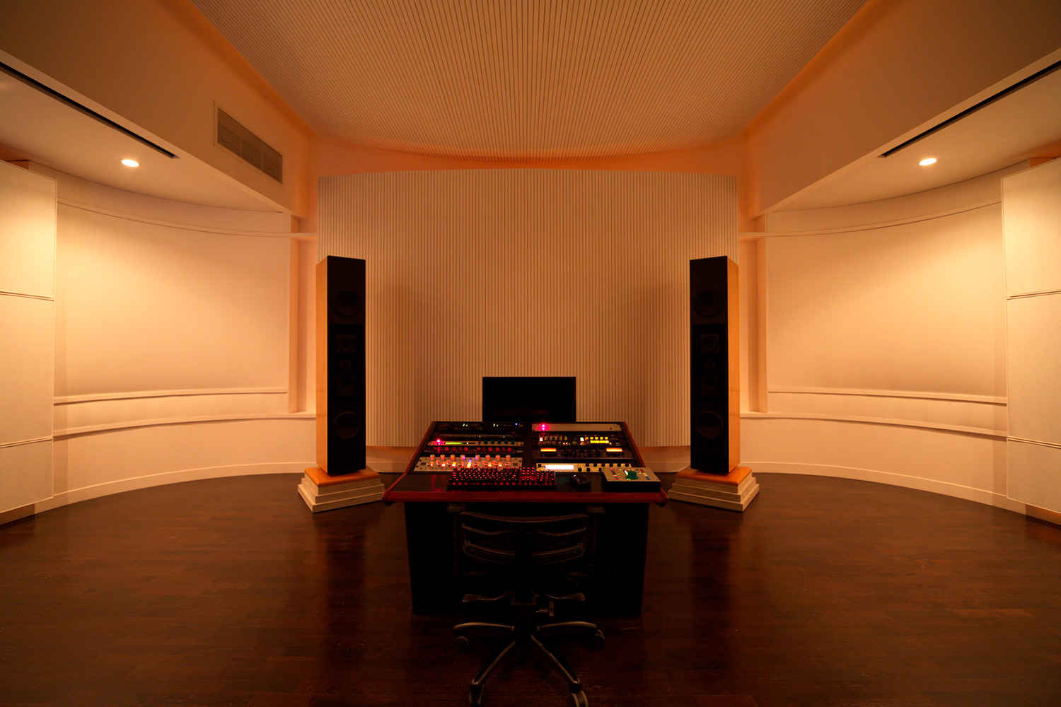 Top mastering engineer and Boiler Room founder Collin Jordan inquired WSDG to fully design his new mastering room in Chicago. WSDG's balance of technical acoustics and artistic design was spot on and made it easy to make the decision. Wider front view.