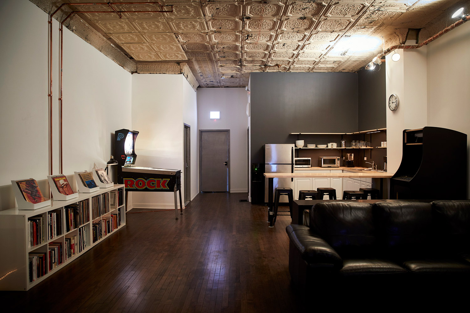 Top mastering engineer and Boiler Room founder Collin Jordan inquired WSDG to fully design his new mastering room in Chicago. WSDG's balance of technical acoustics and artistic design was spot on and made it easy to make the decision. Lounge/Kitchen.