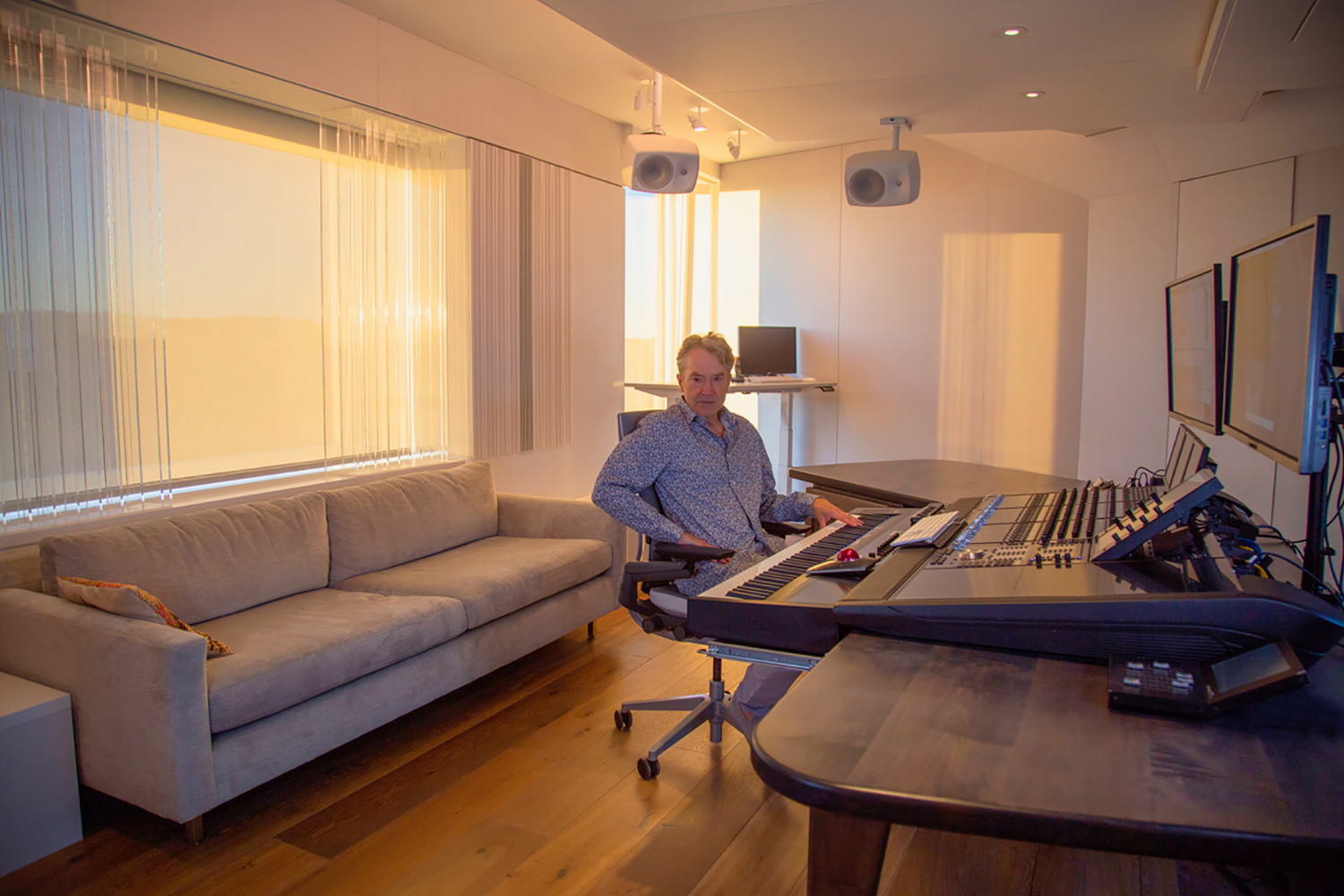 World-renown composer for films Carter Burwell returned to John Storyk and commissioned WSDG a new recording studio at his ultra modern Maziar Behrooz-designed home. Carter in action at his WSDG-designed studio.
