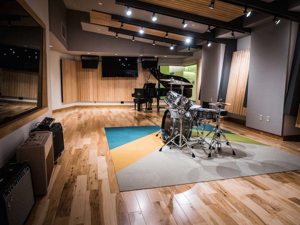 Live room at Drexel University, designed by WSDG (Walters-Storyk Design Group). Chosen as one of 17 studios at the Class of 2018 by Mix Magazine.