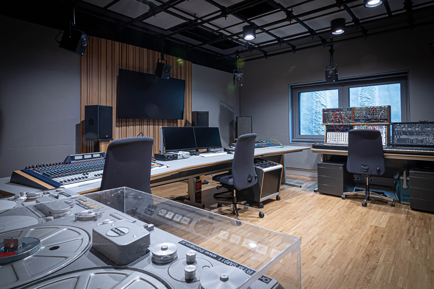 The University of Music and Performing Arts of Vienna new Future Art Lab designed by WSDG. Control Room B.