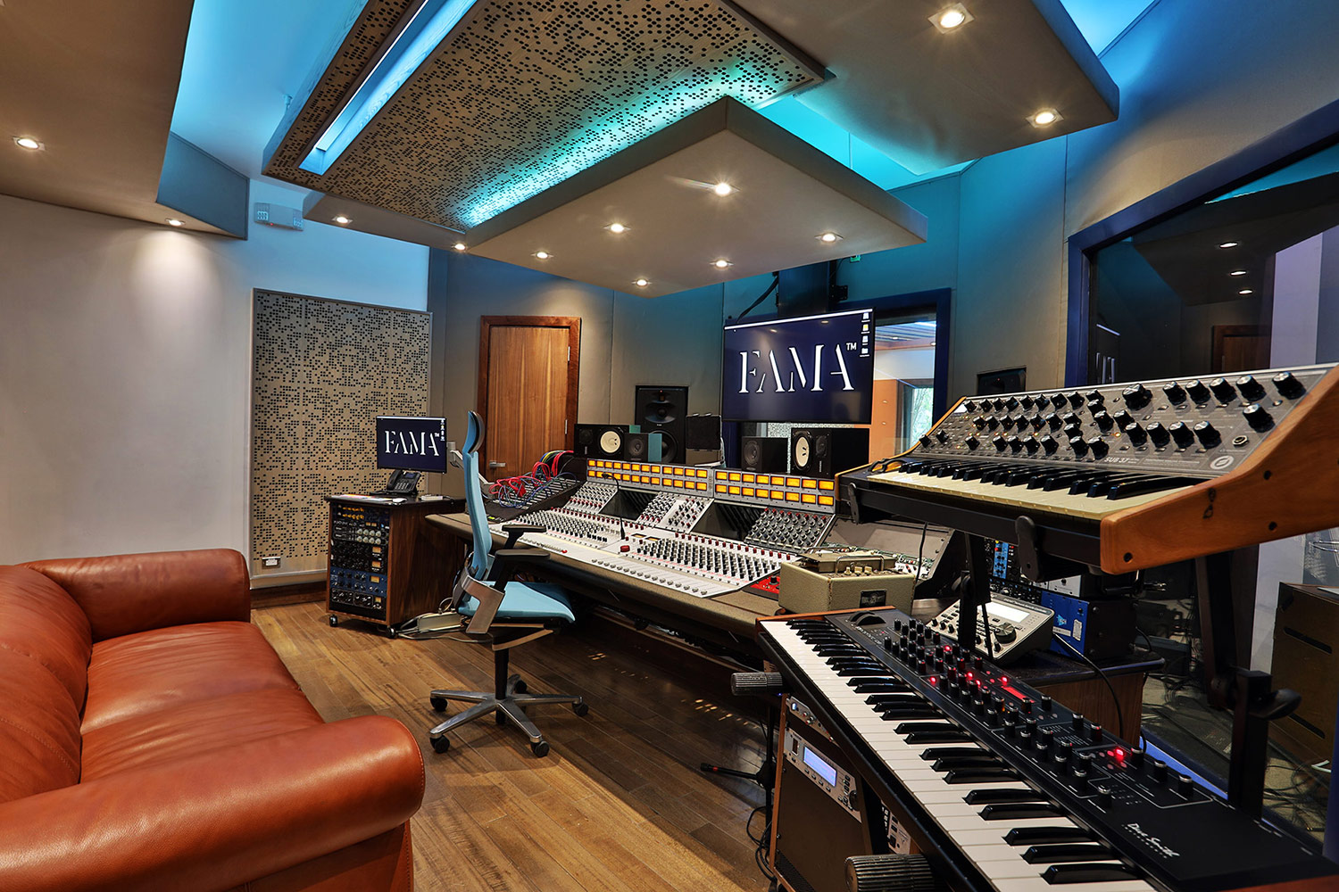 FAMA Studio owner Luis Betances retained WSDG Latin for an acoustic and aesthetic studio design to create a dream recording studio that meets his production needs in Santo Domingo, Dominican Republic. Control Room A.