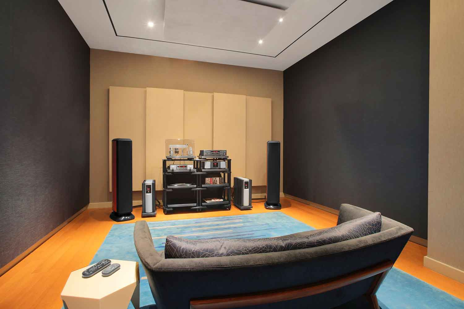 WSDG and John Storyk were called to solve all of the acoustic issues in a timely, efficient and cost-effective manner of Harman International's audiophile NYC-based flagship experience center. Front-Side.