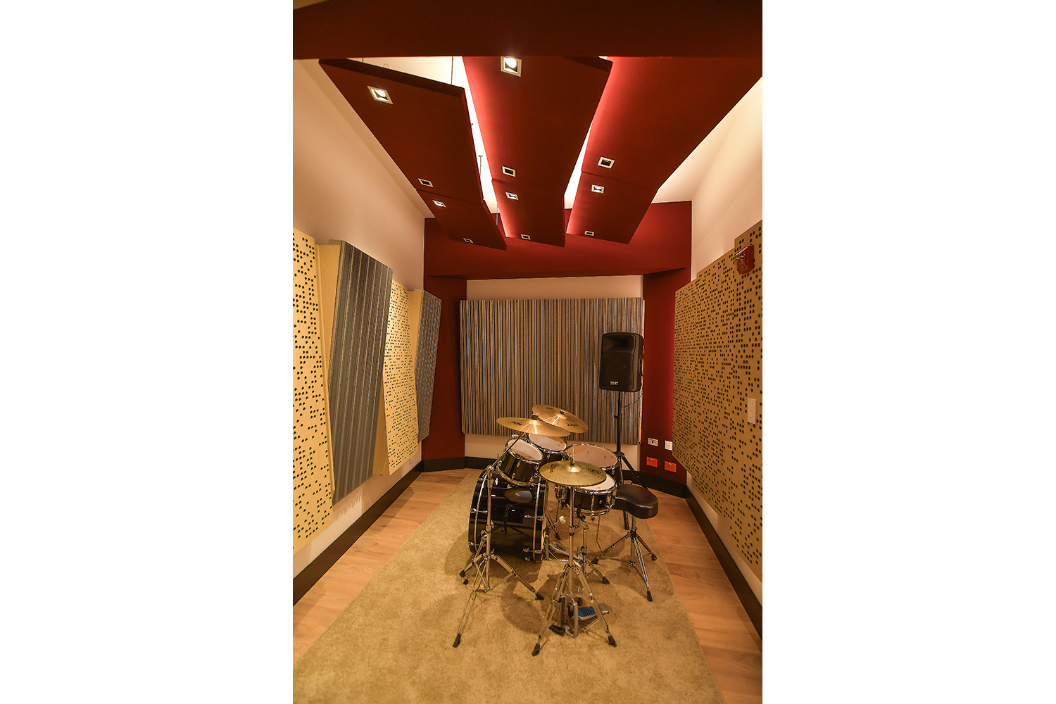 Universidad ICESI new world-class recording studio facility designed by WSDG. Small rehearsal space.