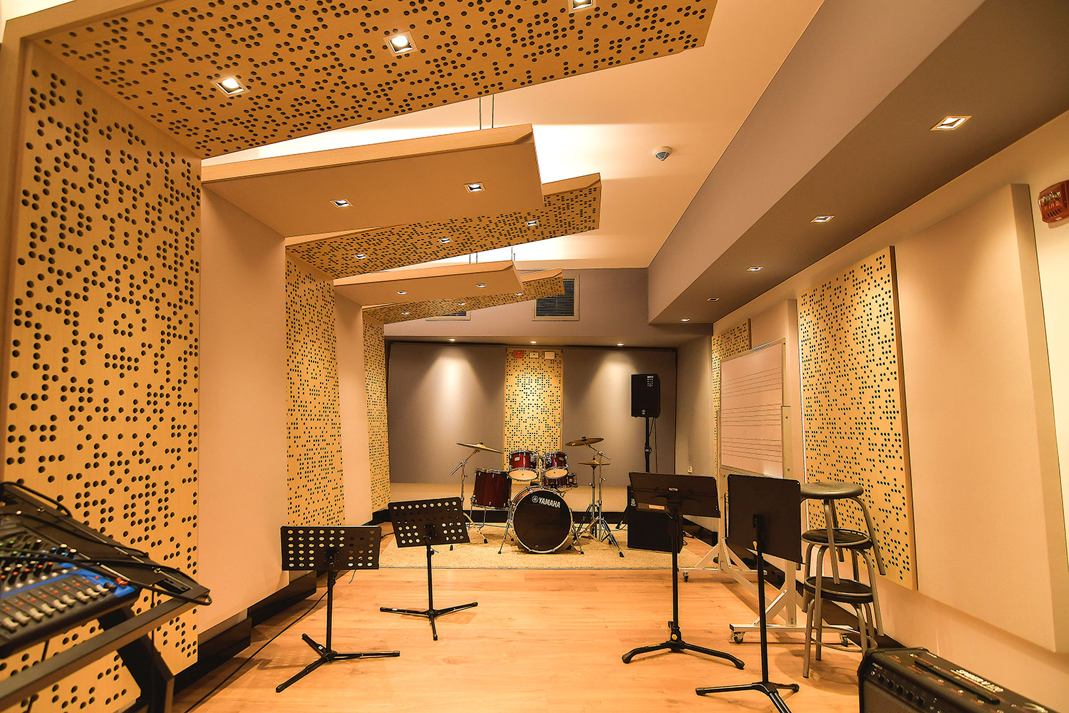 Universidad ICESI new world-class recording studio facility designed by WSDG. Ensemble room 2.