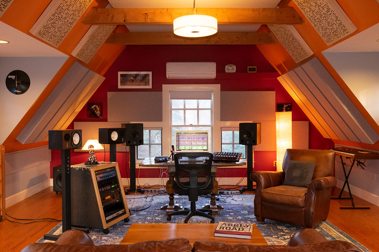 Rob Jaczko Abbott Road Studio, an all-in-one room with perfect internal room acoustics designed by WSDG and engaging the NIRO software. Close-up.