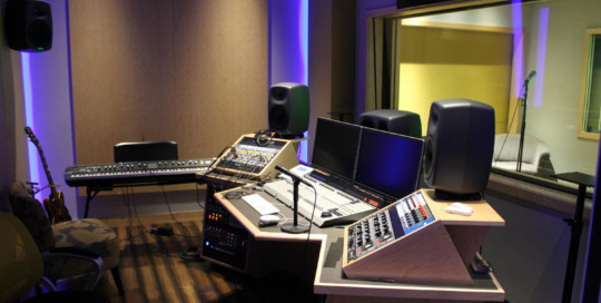 MJH Studios in NJ, designed by WSDG, is a world-class recording and production facility for the main use of creating audio and video healthcare-related content by MJH for their clients. Main Control Room