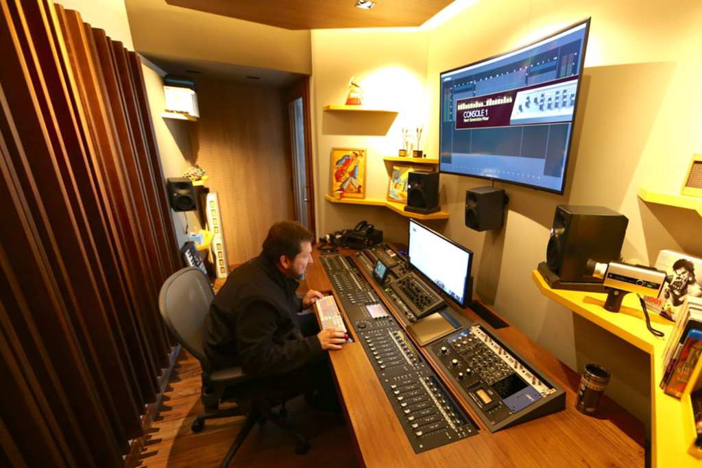 Mix2go is located in Sao Paulo, Brazil and is an innovative 3D mixing facility. WSDG was commissioned to design a space where 3D mixes audio could be created. Beto Neves mixing.