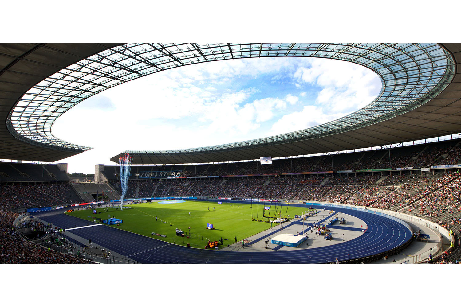 The Olympia Stadium Berlin is a Olympic and FIFA Germany 2006 World Cup Stadium, with a capacity of more than 70000 people. Extensive simulation calculations using the computer model were the core of work of ADA-AMC - WSDG. Panoramic interior view.