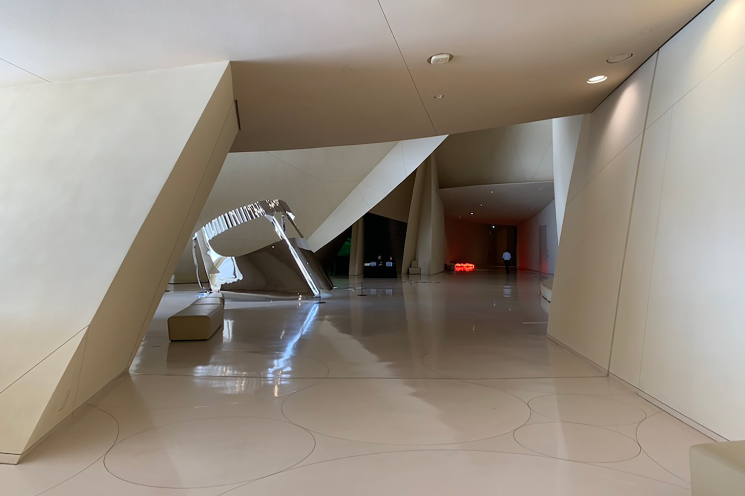 The National Museum of Qatar. WSDG was contracted to create a 3-D acoustic model of the space and make recommendations regarding appropriate speaker usage and placement. Interior.