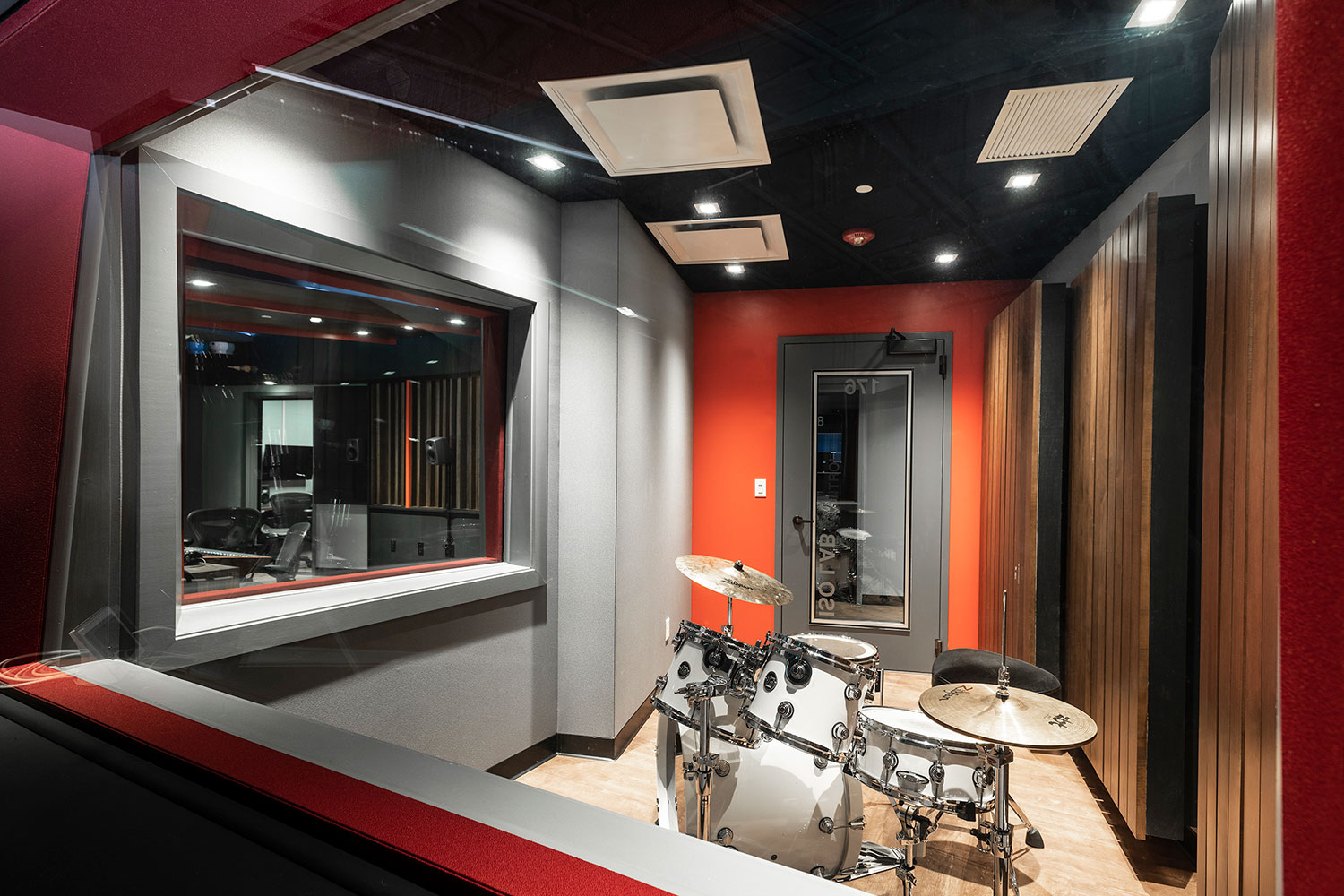 Rensselaer Polytechnic Institute (RPI) brand new state-of-the-art audio production facilities, designed by WSDG - ISO Booth with Drum Set