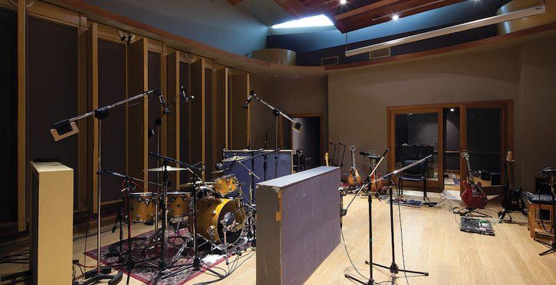 Romaphonic Studio in Buenos Aires, Argentina. Ex Circo Beat, former Fito Paez studio, now owned by Nicolas Romero. Live Room.