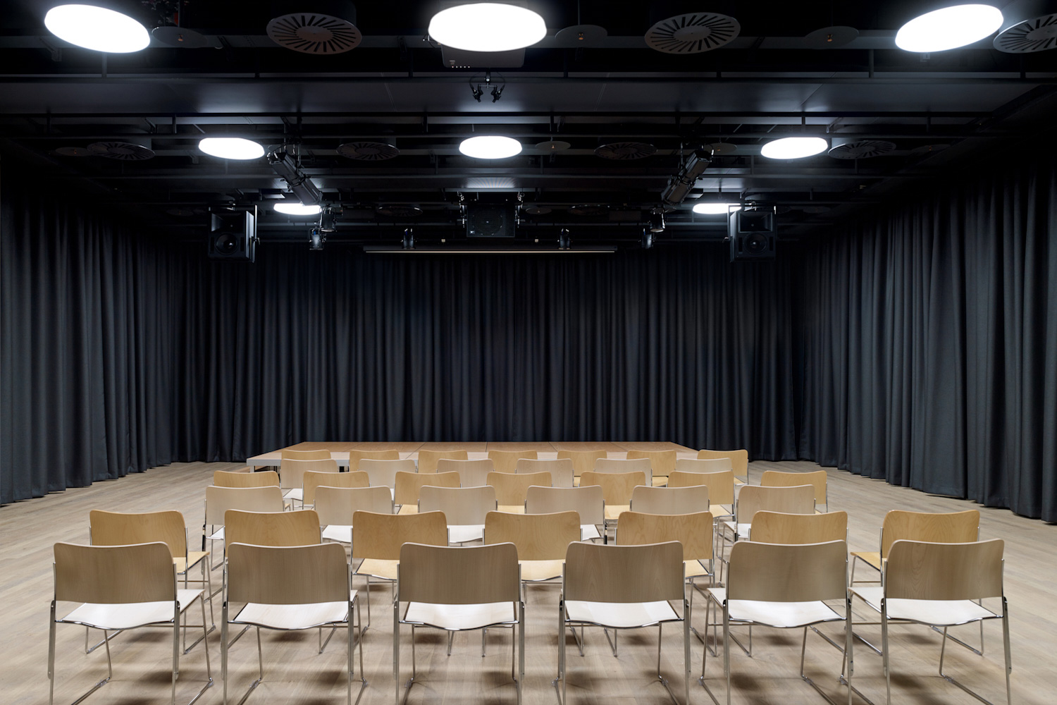 Schweizer Radio und Fernsehen broadcasting company relocated their Basel facilities and WSDG's services were retained to tune the acoustics of these rooms and ensure high-quality working areas for SRF. Live radio drama room and auditorium.