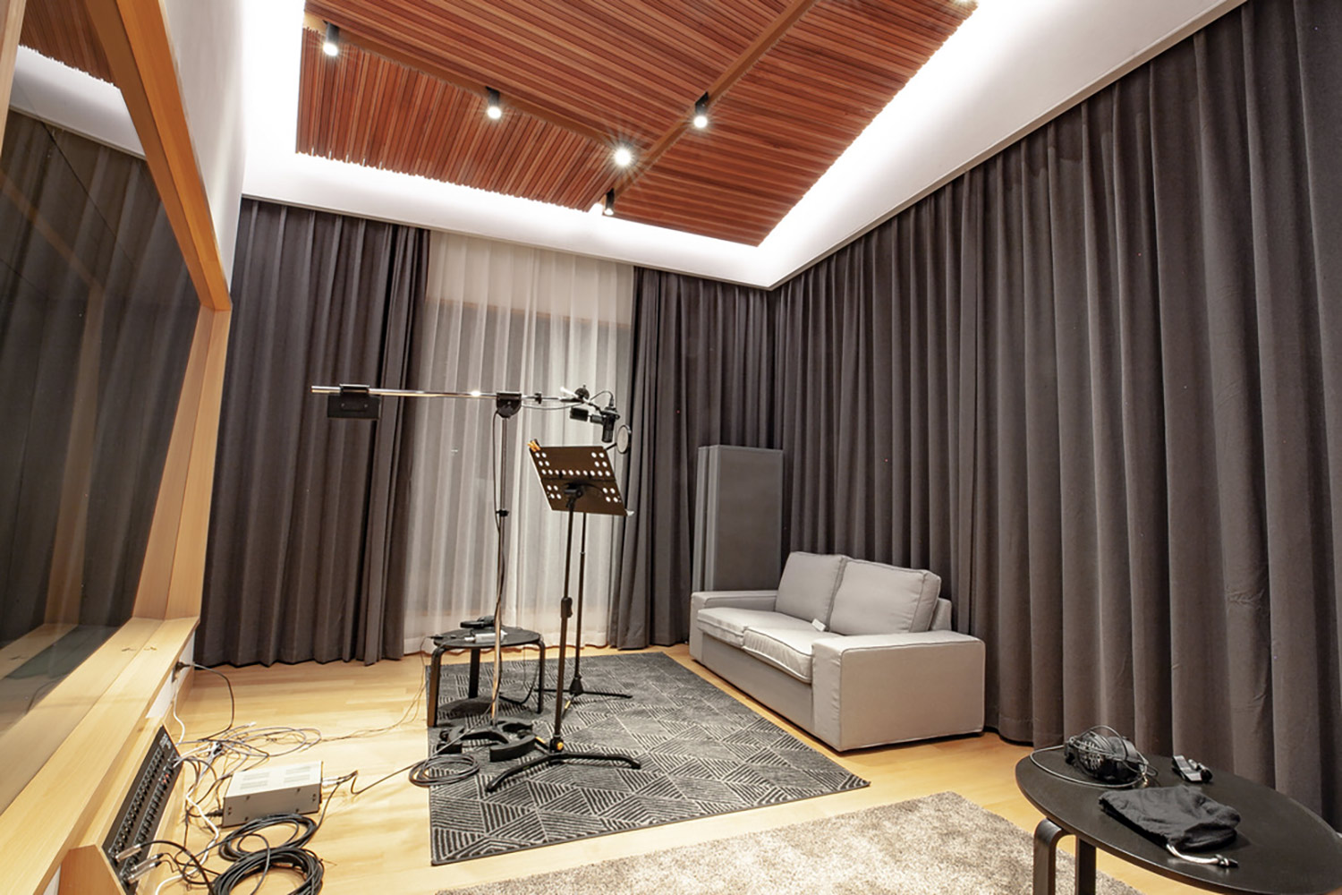 Intrigued by WSDG's reputation in designing the best recording studios in the world, multi-talented recording and mixing engineer TC Zhou started a deep collaboration with our global team for his brand-new studio facility in Beijing, China. Live Room Vocal Booth B.