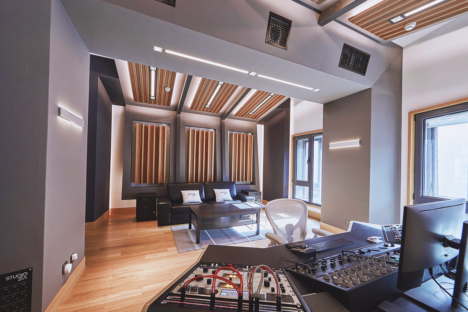 Intrigued by WSDG's reputation in designing the best recording studios in the world, multi-talented recording and mixing engineer TC Zhou started a deep collaboration with our global team for his brand-new Studio 21A facility in Beijing, China. Control Room C Mastering Back.
