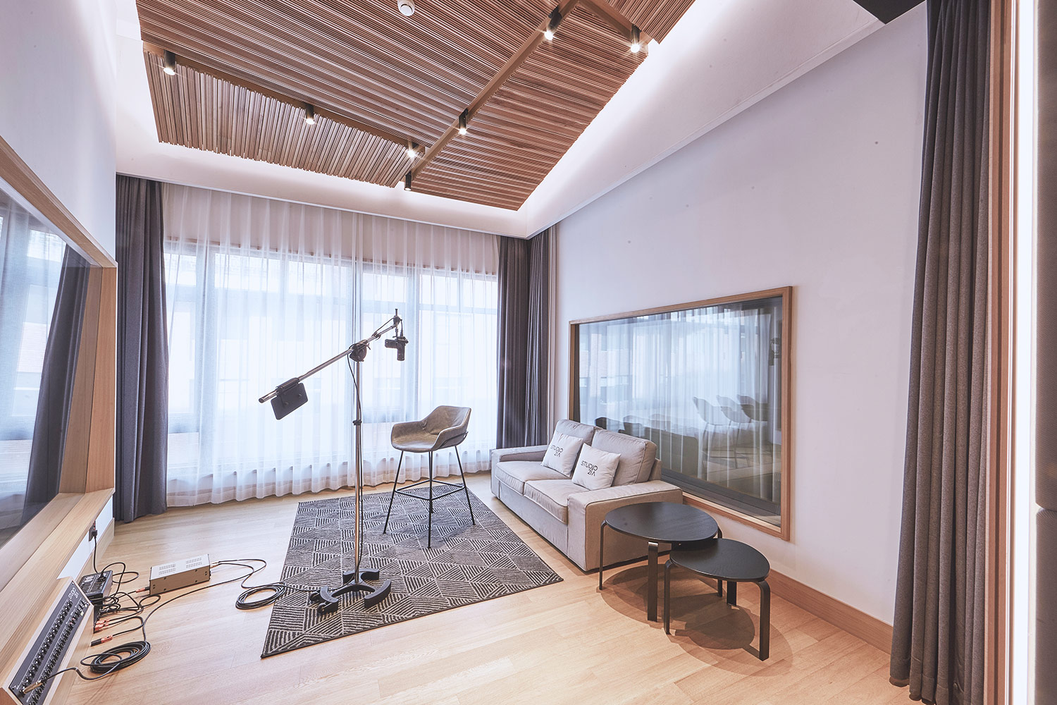 Intrigued by WSDG's reputation in designing the best recording studios in the world, multi-talented recording and mixing engineer TC Zhou started a deep collaboration with our global team for his brand-new Studio 21A facility in Beijing, China. Live Room B.