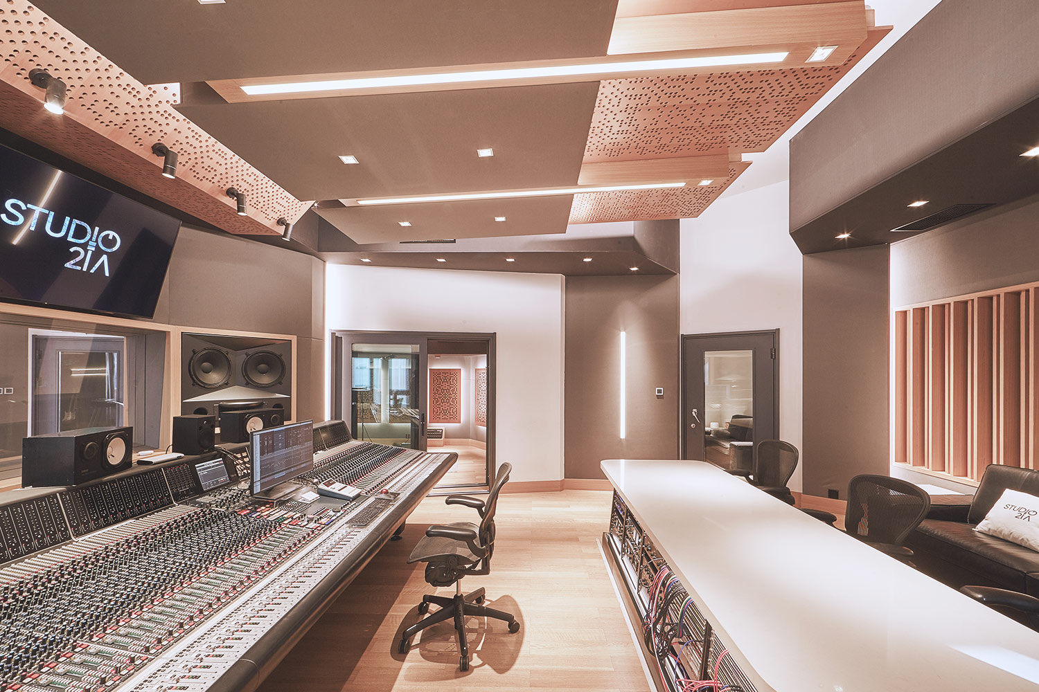 Intrigued by WSDG's reputation in designing the best recording studios in the world, multi-talented recording and mixing engineer TC Zhou started a deep collaboration with our global team for his brand-new Studio 21A facility in Beijing, China. Control Room A Side 2.