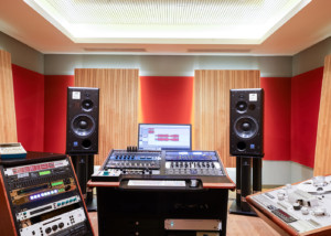 Sunshine Music has provided the Austrian music community with impeccable creative mastering and recording services since 1995. Designed and tuned by WSDG, Sunshine just upgraded their speakers to ATC Pro models. Mastering 1.
