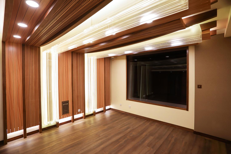 Qiwu Tan and Yi He WSDG-designed studio named T-One Studios. Live Room 1.