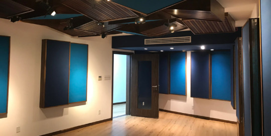 TEC de Monterrey University has grown to include 31 campuses in 25 cities throughout Mexico. A trail-blazing seat of education. After the 2017 earthquake, WSDG was reached to do the new studio design of the facility in a record time. Live Room A
