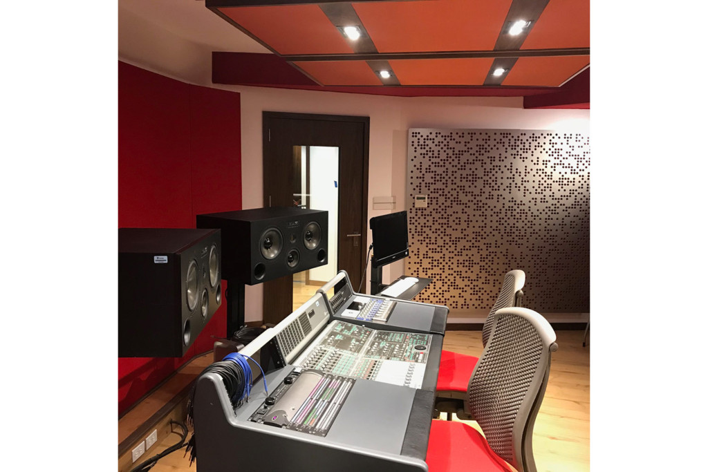 TEC de Monterrey University has grown to include 31 campuses in 25 cities throughout Mexico. A trail-blazing seat of education. After the 2017 earthquake, WSDG was reached to do the new studio design of the facility in a record time. Control Room B.