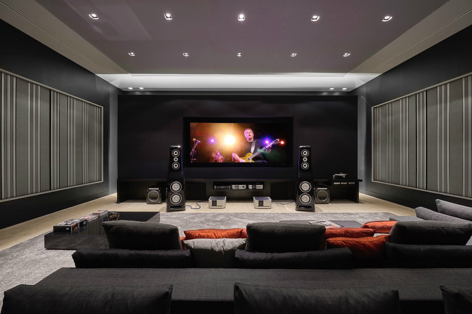 UltimateHomeTheater-1