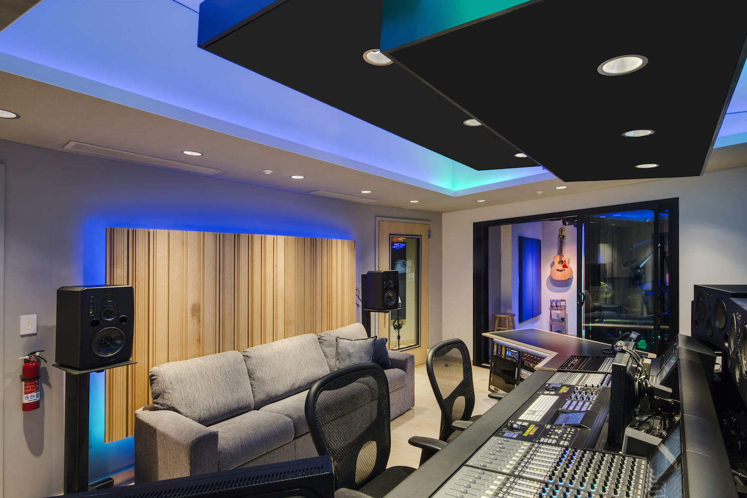 The MacPhails met WSDG to achieve a full up, professionally designed, acoustically superlative residential recording studio for their thriving audio production business. Studio back.