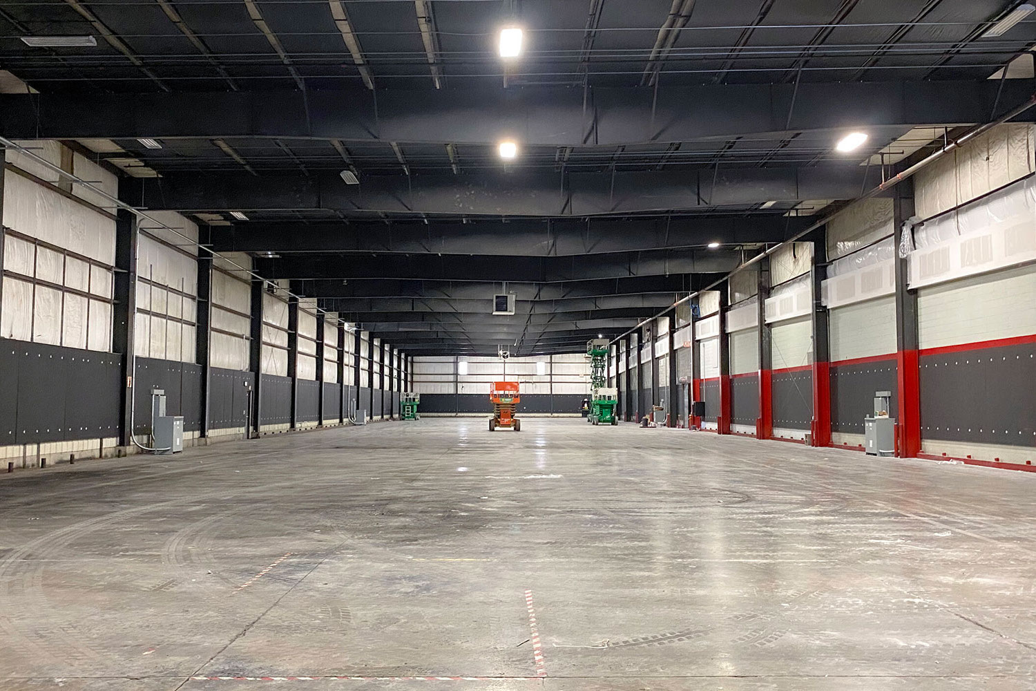 Upriver Studios is a 100,000 ft2 film/TV production facility located in New York owned by Stockade Works. WSDG service were secured to optimize the acoustics of the building and its three sound stages. Stage 1.
