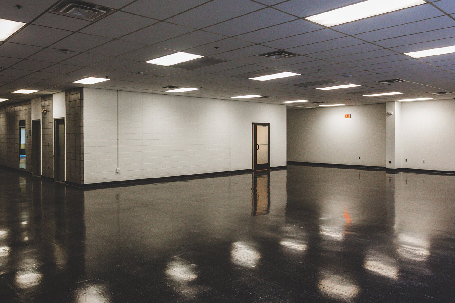 Upriver Studios is a 100,000 ft2 film/TV production facility located in New York owned by Stockade Works. WSDG service were secured to optimize the acoustics of the building and its three sound stages. Flexible space.
