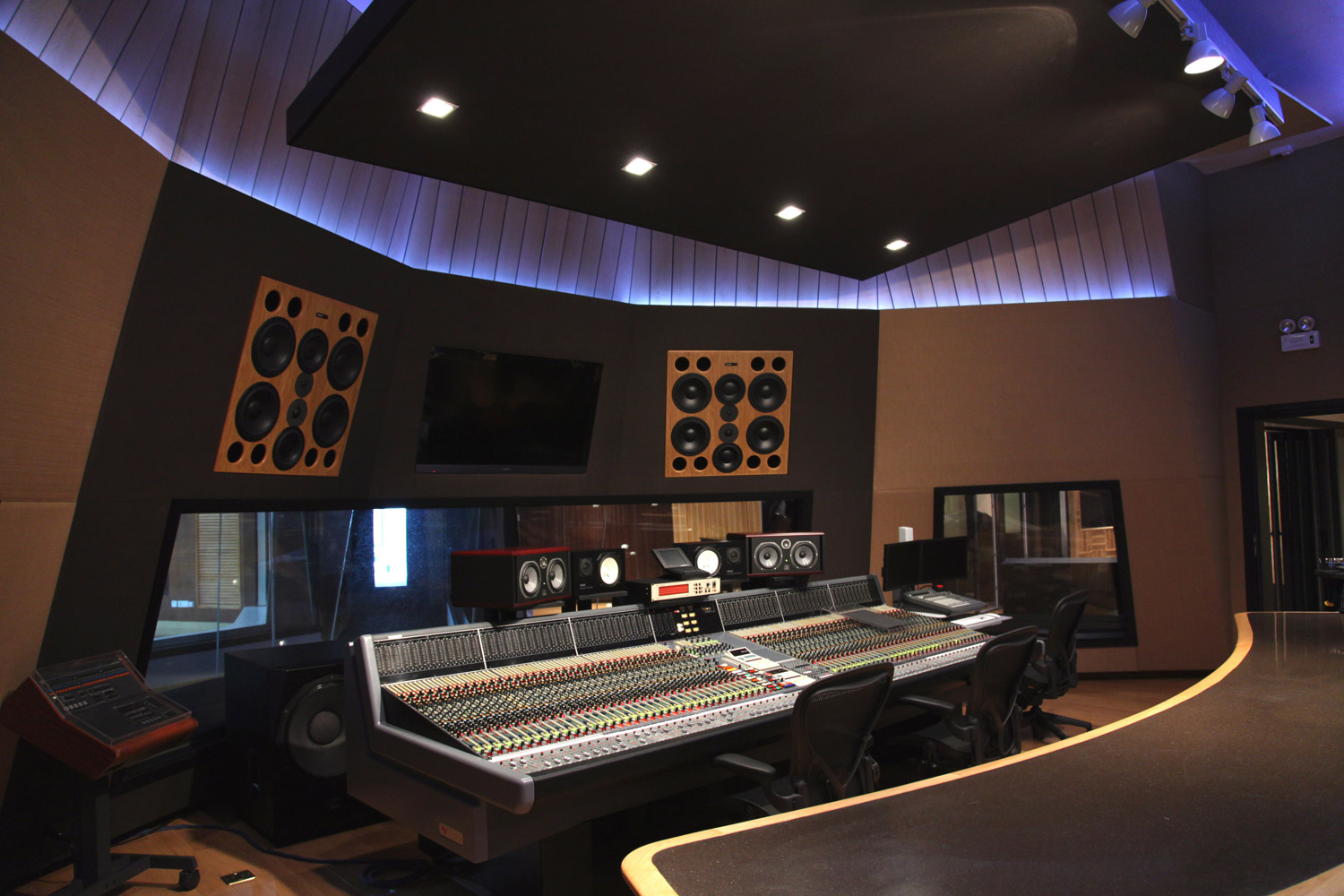Celebrity studio wsdg for Recording studio design
