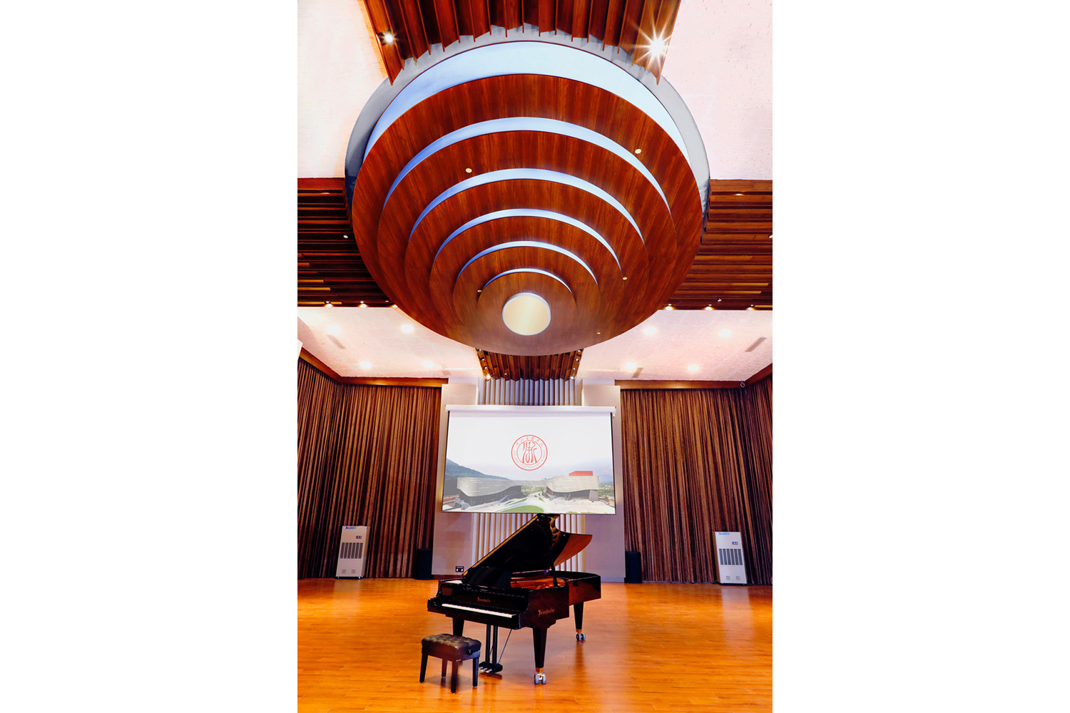 Zhejiang Conservatory of Music in Hangzhou, East China commissioned WSDG to create an important addition to this extraordinary institution, a 21st Century Music Production & Education Complex. Featuring piano.