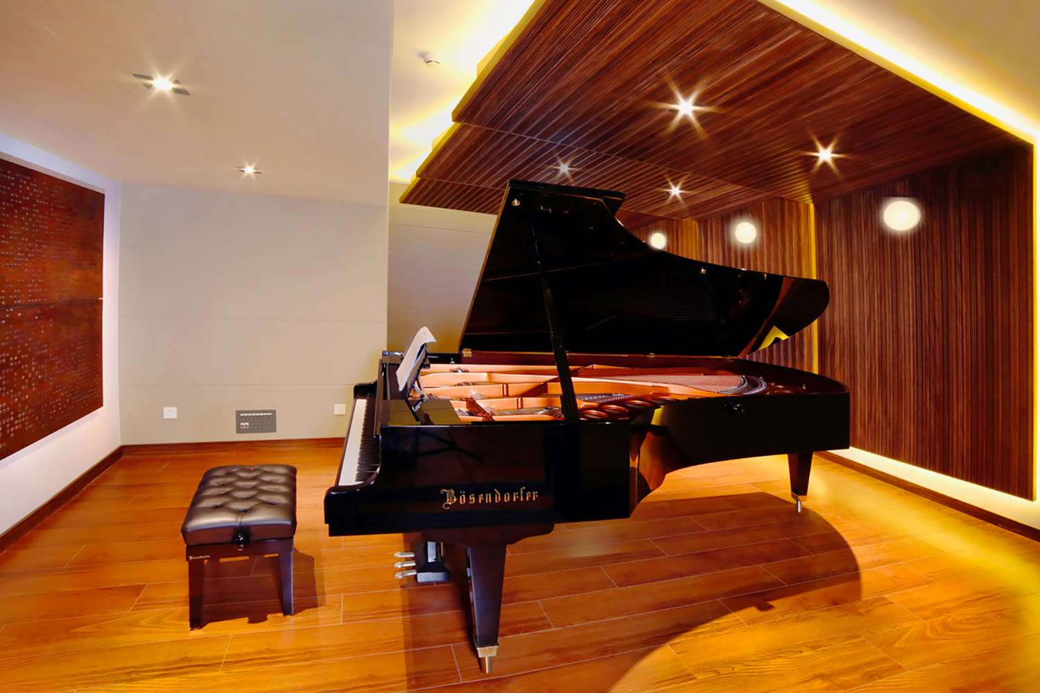 Zhejiang Conservatory of Music in Hangzhou, East China commissioned WSDG to create an important addition to this extraordinary institution, a 21st Century Music Production & Education Complex. Boutique ISO Booth with Piano.