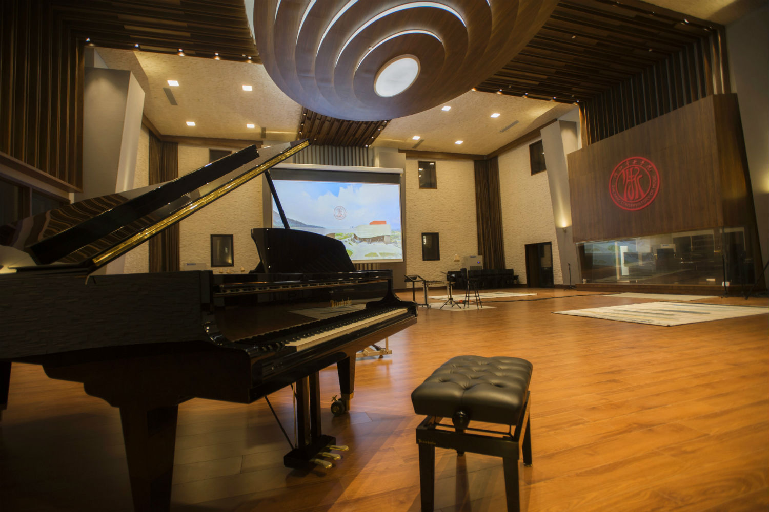 Zhejiang Conservatory of Music in Hangzhou, East China commissioned WSDG to create an important addition to this extraordinary institution, a 21st Century Music Production & Education Complex. Live Room Piano View.