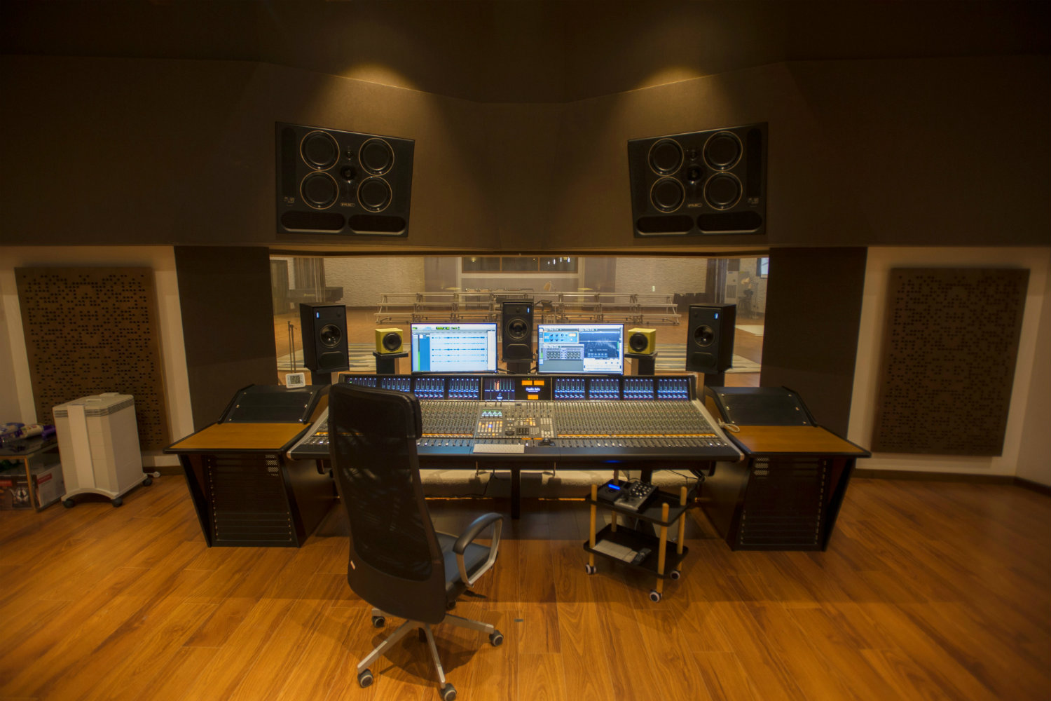Zhejiang Conservatory of Music in Hangzhou, East China commissioned WSDG to create an important addition to this extraordinary institution, a 21st Century Music Production & Education Complex. Control Room Front View.