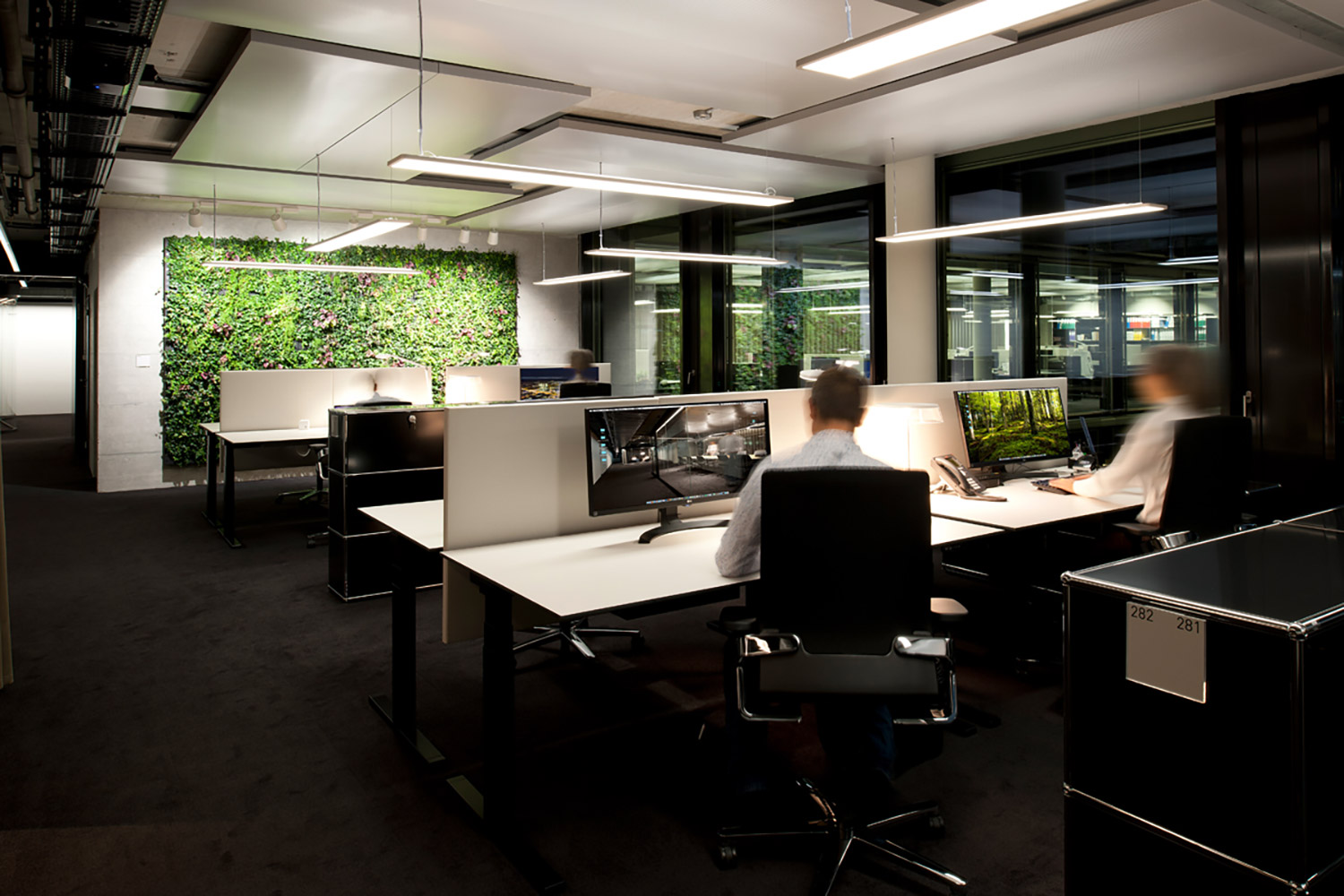 Archiect Nadja Zürcher comissioned WSDG to do acoustic consulting, treatments and A/V integration for the conference, meeting and huddle rooms for a top Zurich Firm. Corporate Europe Project. Open desk space.