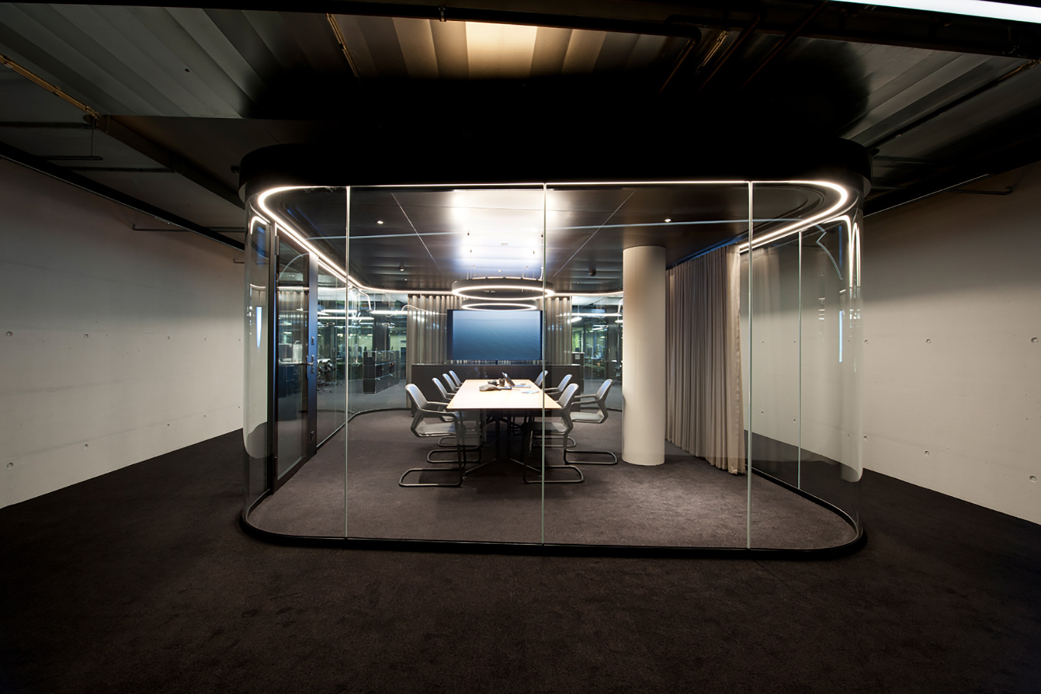 Archiect Nadja Zürcher comissioned WSDG to do acoustic consulting, treatments and A/V integration for the conference, meeting and huddle rooms for a top Zurich Firm. Corporate Europe Project. Meeting Room A front.