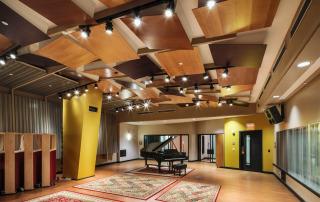 Berklee college of music 160 mass ave, shames scoring room. Designed by WSDG.